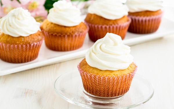 vanilla-cupcakes-lg